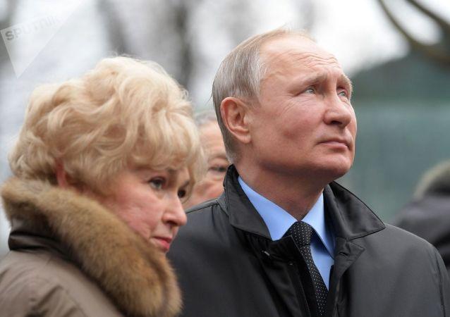 普京對聖彼得堡居民表示總統工資不是全國最高工資