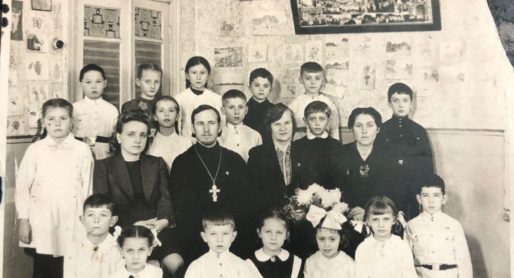 哈爾濱俄僑後代的班級合照(1943年,哈爾濱)