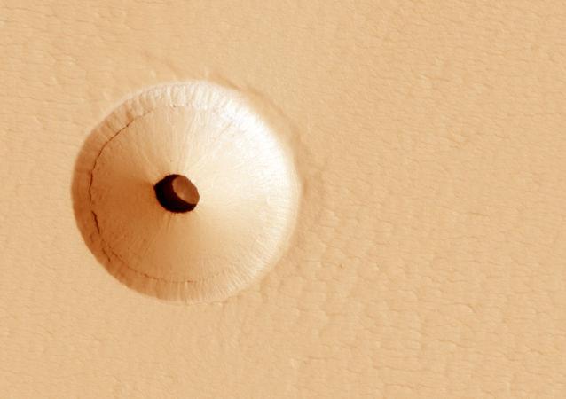 美國家航空航天局科學家在火星上發現一個不尋常的洞