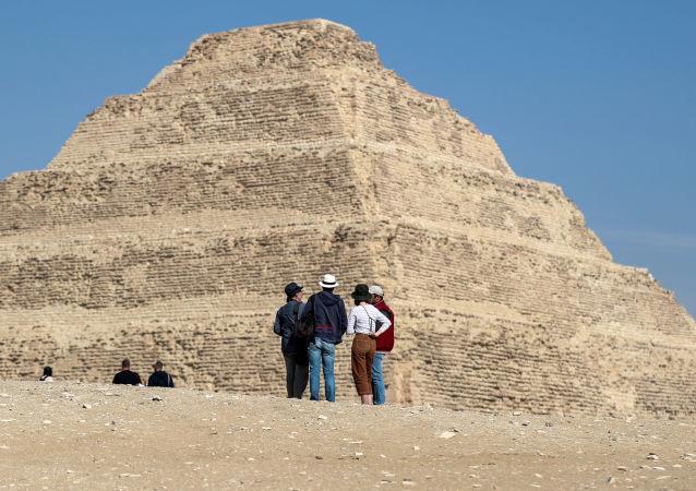 埃及最古老的左塞爾金字塔