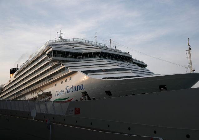 新加坡一艘游輪因船上發現新冠病例返回港口