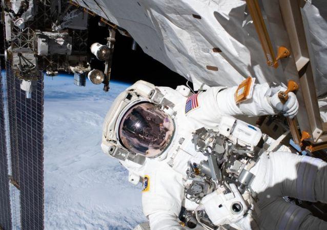 美國專家將宇航員送至國際空間站比作公交車司機的工作