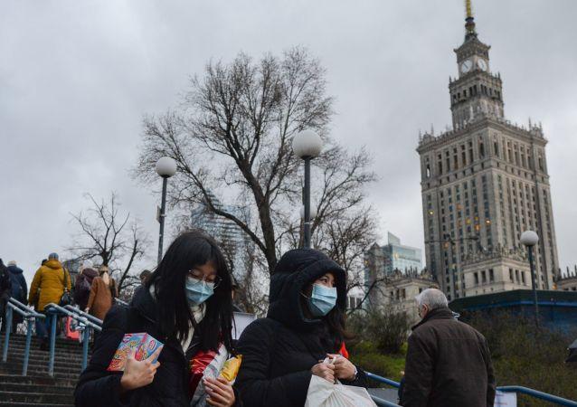 波蘭衛生部:疫情以來波蘭累計新冠病毒死亡病例超7.1萬例