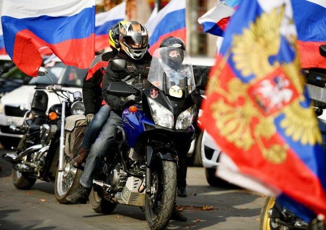 克里米亞舉行汽車和摩托車拉力賽紀念回歸俄羅斯六週年