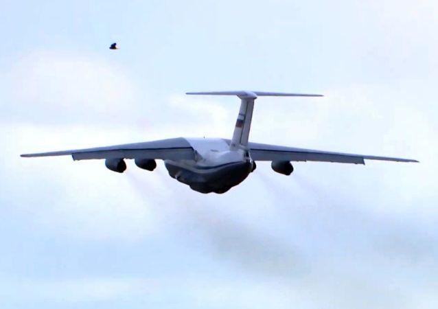 俄空天軍派航空隊向意大利提供抗疫援助
