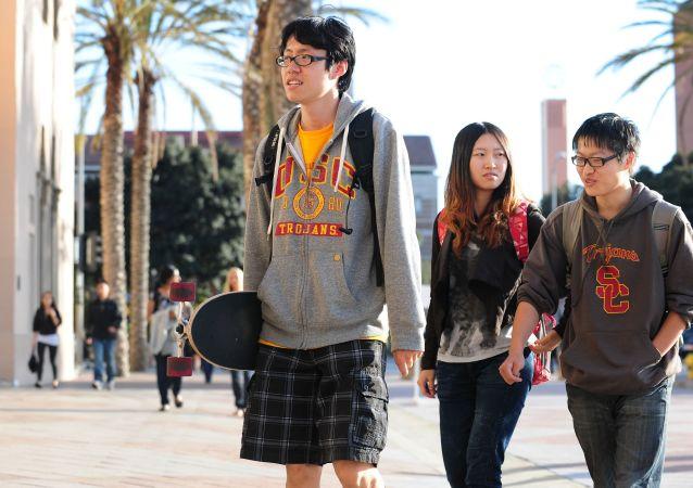 中國學生能恢復留美