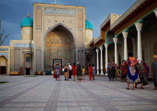 烏茲別克斯坦單日新增新冠病毒感染病例196例