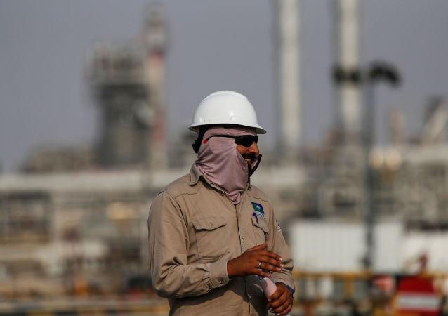 美國參議員將於4月11日與沙特政府討論石油市場問題