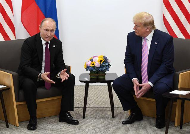 特朗普對他與普京相處和睦的批評感到驚訝