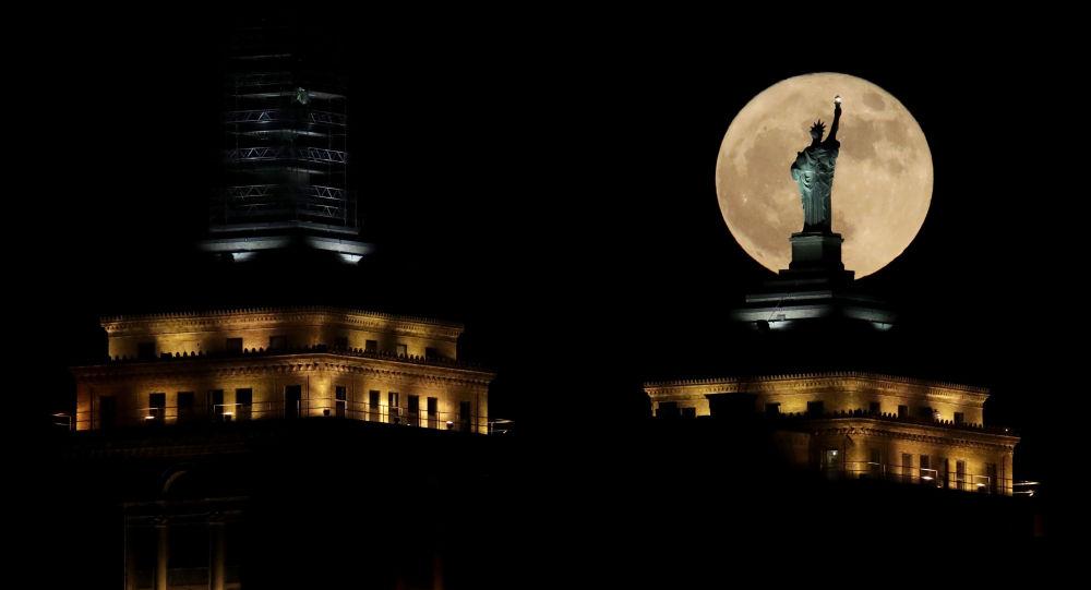俄專家:特朗普開發月球資源的行政令可能會引發新的太空競賽
