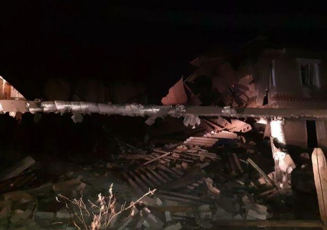 諾夫哥羅德州瓦恰區煤氣罐爆炸引發住宅樓坍塌