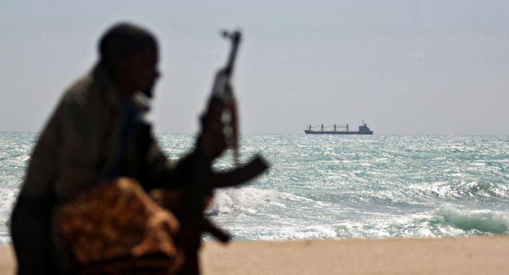 幾內亞灣一油輪四名船員被海盜劫持 其中一人為俄公民