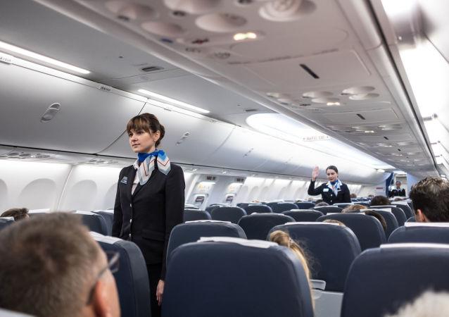 飛行員講述為何不要在飛行中脫鞋