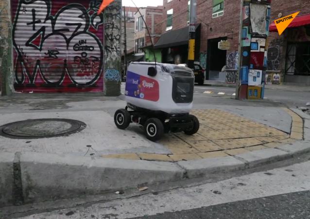 哥倫比亞現機器人外賣員