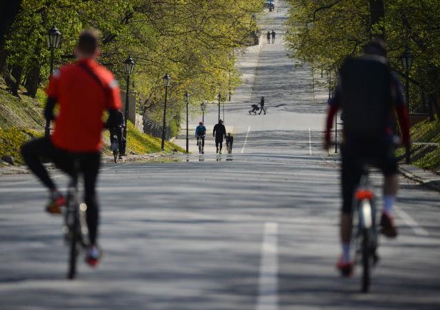 民調:近50%的俄羅斯民眾都打算在檢疫隔離取消後去散步