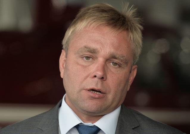 馬克西姆·蘇拉耶夫