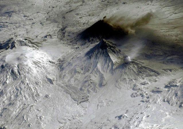 堪察加別濟米揚內火山活動對當地航空造成威脅