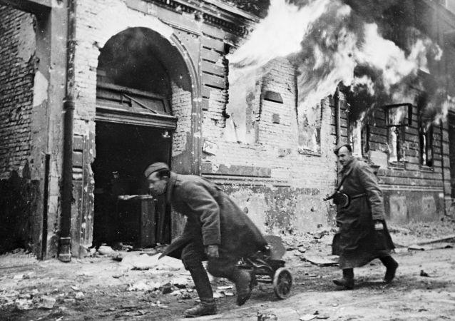 專家們在布魯塞爾論壇上討論維護二戰歷史真相