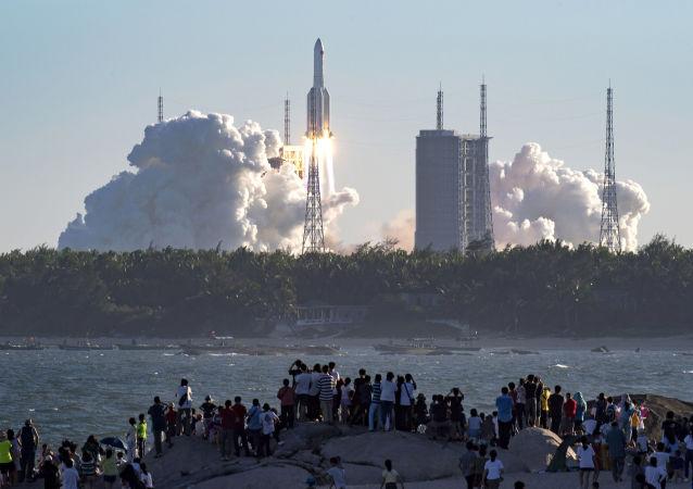 中國航天集團:中國長征六號運載火箭成功實施一箭九星發射任務