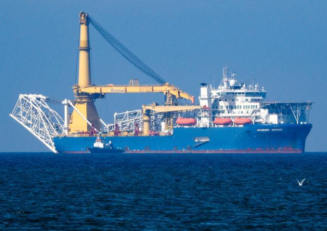 「切爾斯基院士」號鋪管船