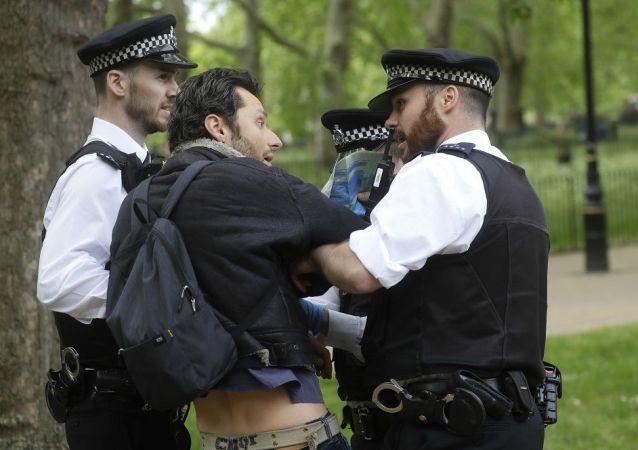 倫敦警方拘捕19名在海德公園抗議防疫措施者