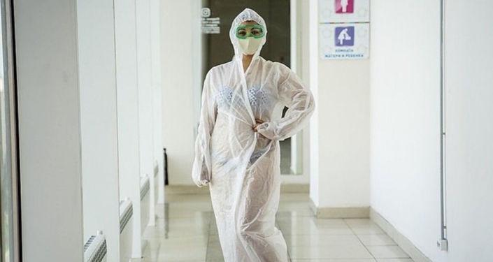 薩馬拉居民發起支持圖拉泳裝護士的快閃活動