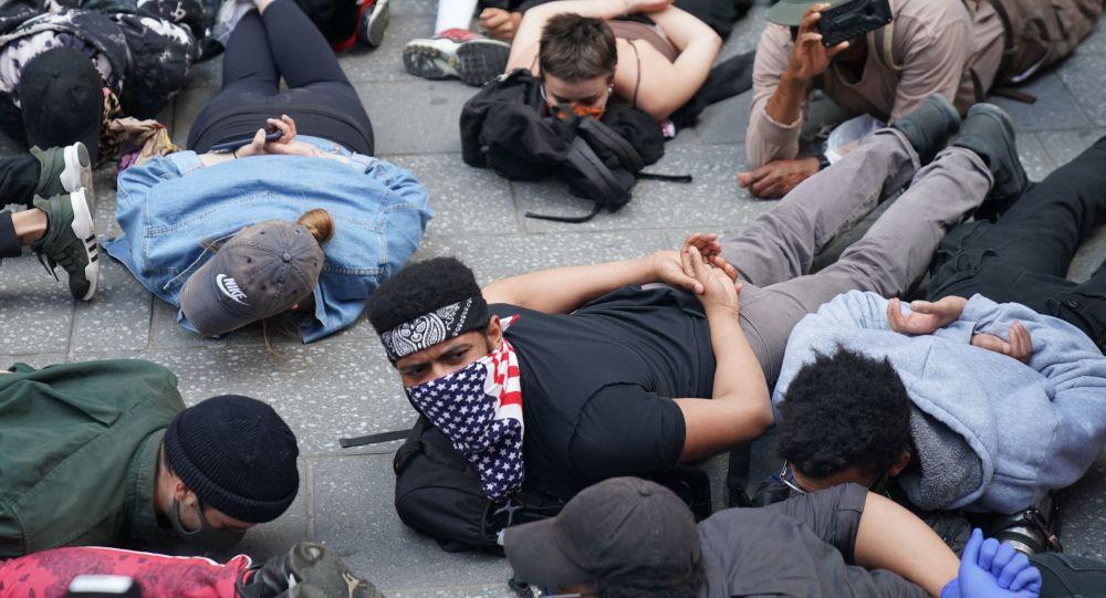 抗議活動的參與者們