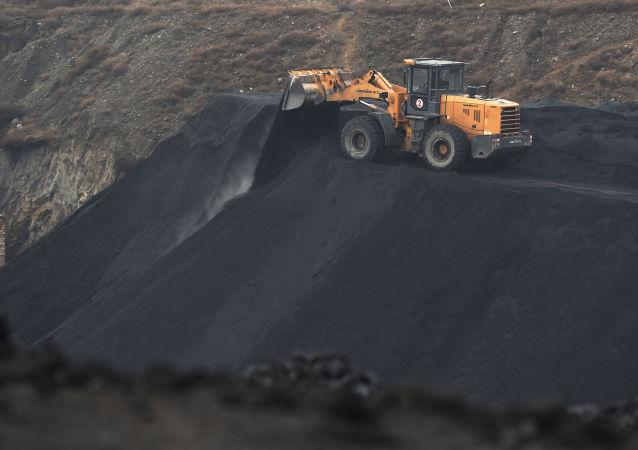 俄鐵組織用開頂集裝箱對華運煤
