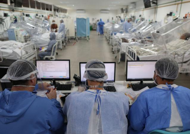 巴衛生部:巴西單日新增新冠病毒感染病例近8.6萬例