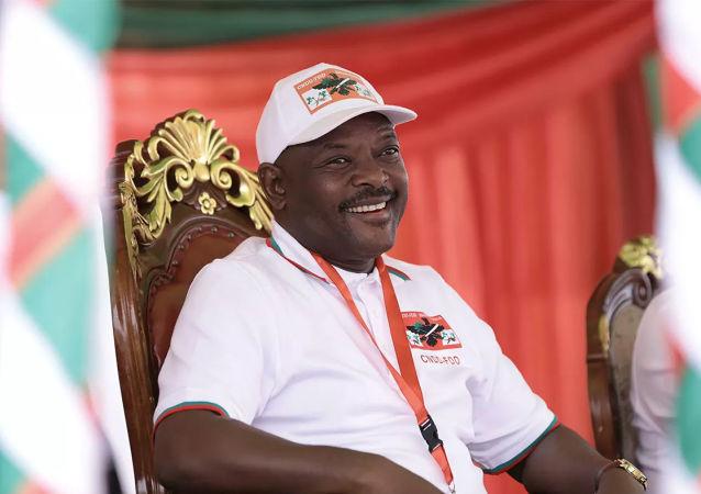 布隆迪現任總統恩庫倫齊扎去世 終年55歲