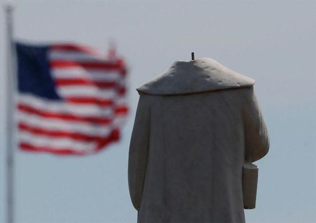 芝加哥政府拆除引發抗議活動的哥倫布紀念碑