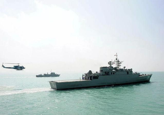 伊朗軍隊在阿曼灣成功發射巡航導彈