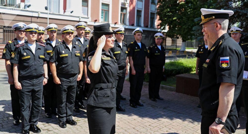 加里寧格勒勝利日閱兵式的參與者科謝尼婭·科爾欽斯卡婭